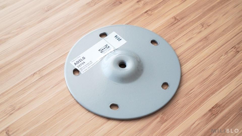 IKEAのデスク脚オディリスの接合部