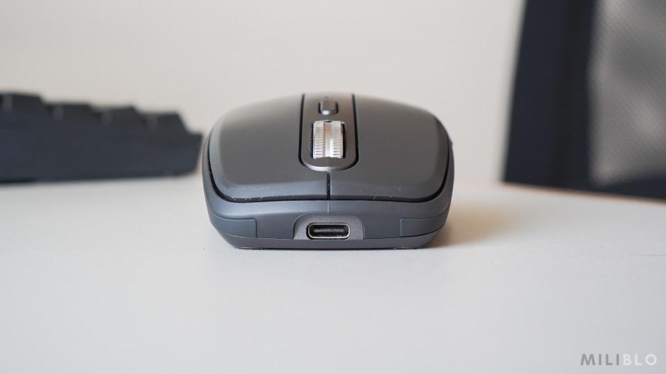 MX Anywhere3の充電ポート(USB-C)